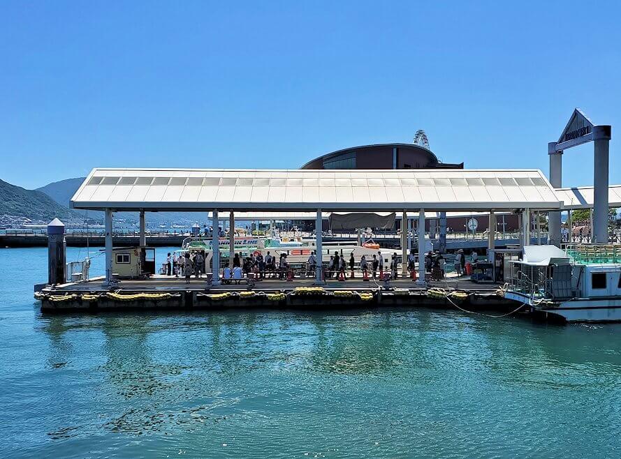 下関の唐戸渡船ターミナル