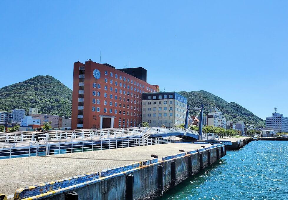 門司港の「ブルーウィング橋」から見える景色-1