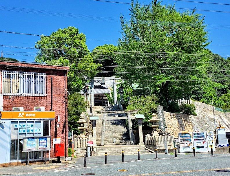 甲宗八幡神社の入口