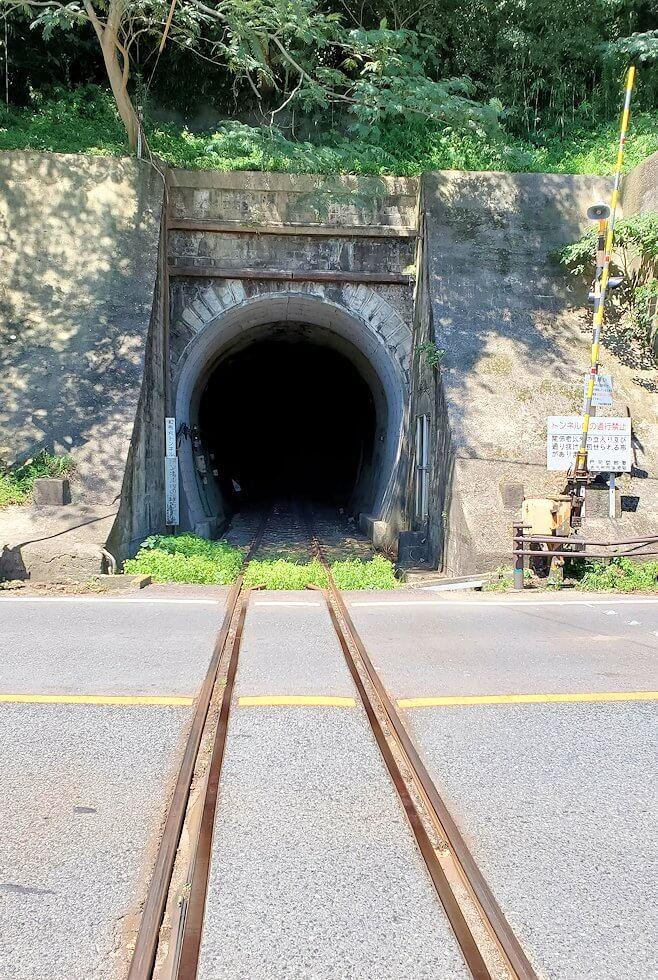 門司港レトロ観光線路とトンネル