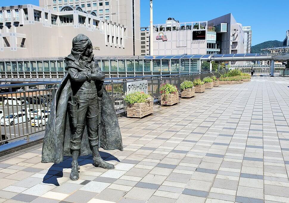 JR小倉駅にある、キャプテンハーロックの銅像