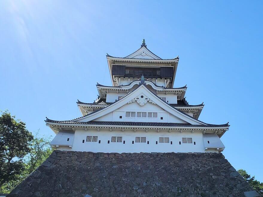 JR小倉駅周辺にある小倉城を近くから眺める-1