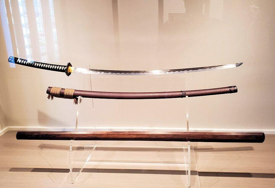 小倉城2階に飾られている、小次郎と武蔵の武器のレプリカ