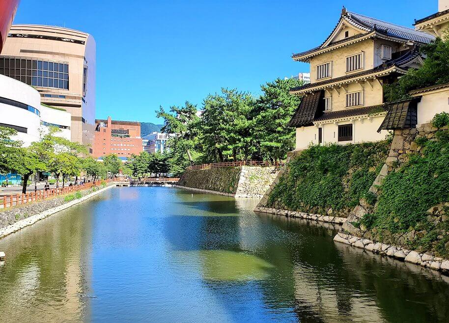 小倉城横にある八幡神社外の堀