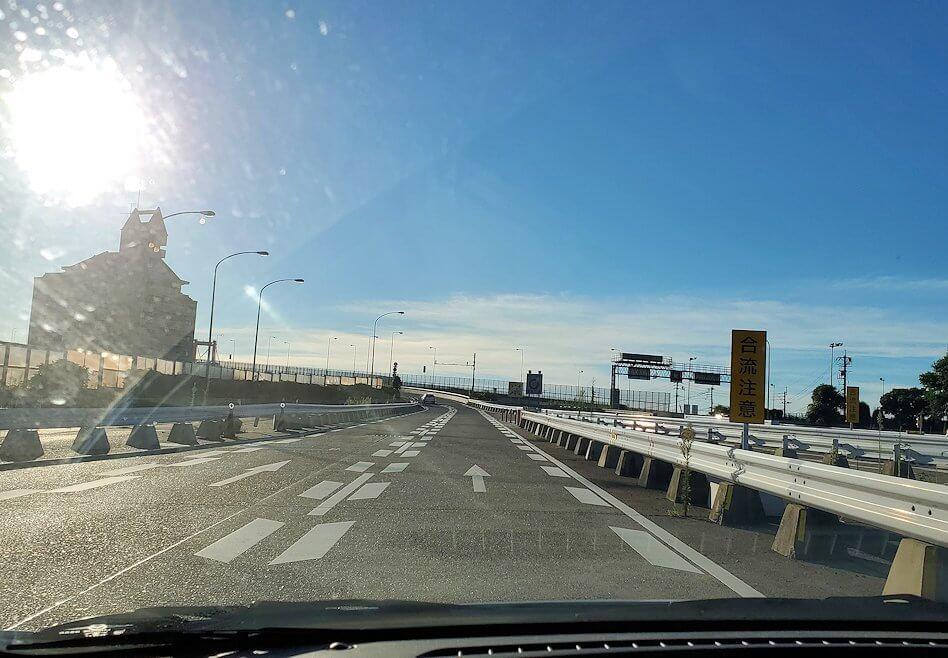 JR小倉駅から車で若松地区へと移動する
