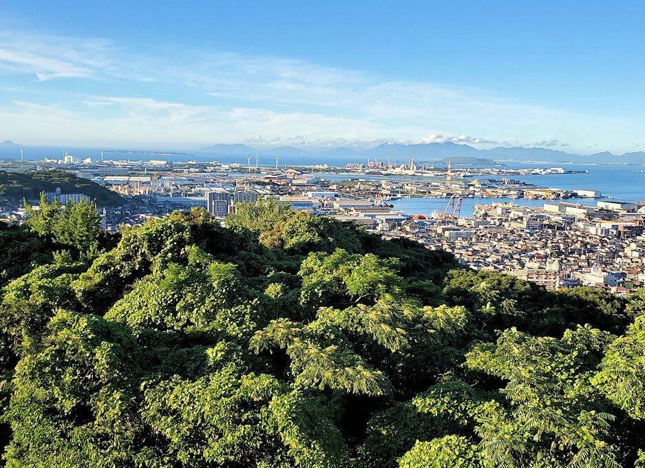 北九州若松区にある高塔山公園展望台からの景色-1