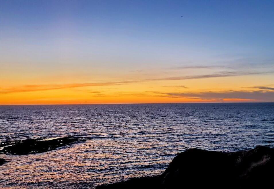 遠見ヶ鼻から見える夕陽-1