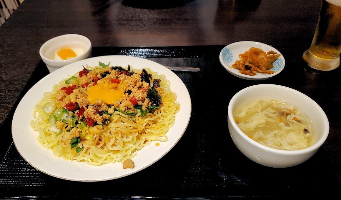 晩飯は台湾料理屋にて-1