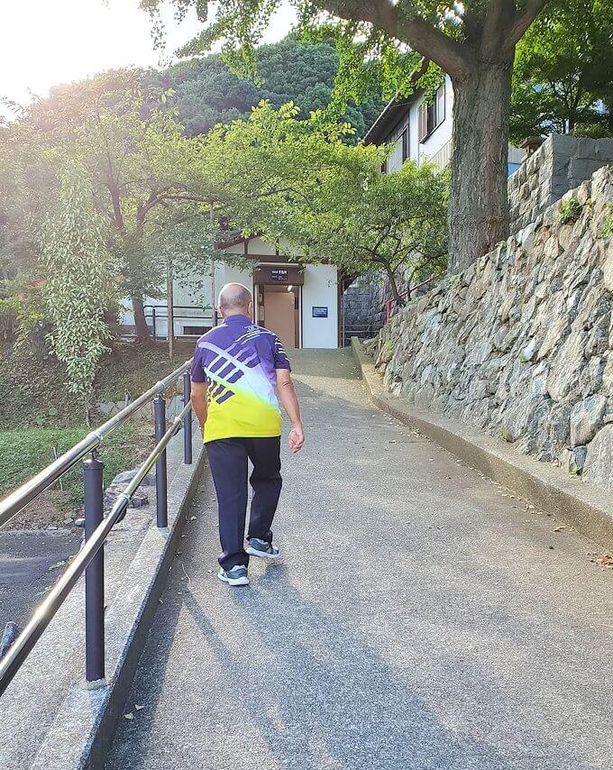 足立山の神社を参拝