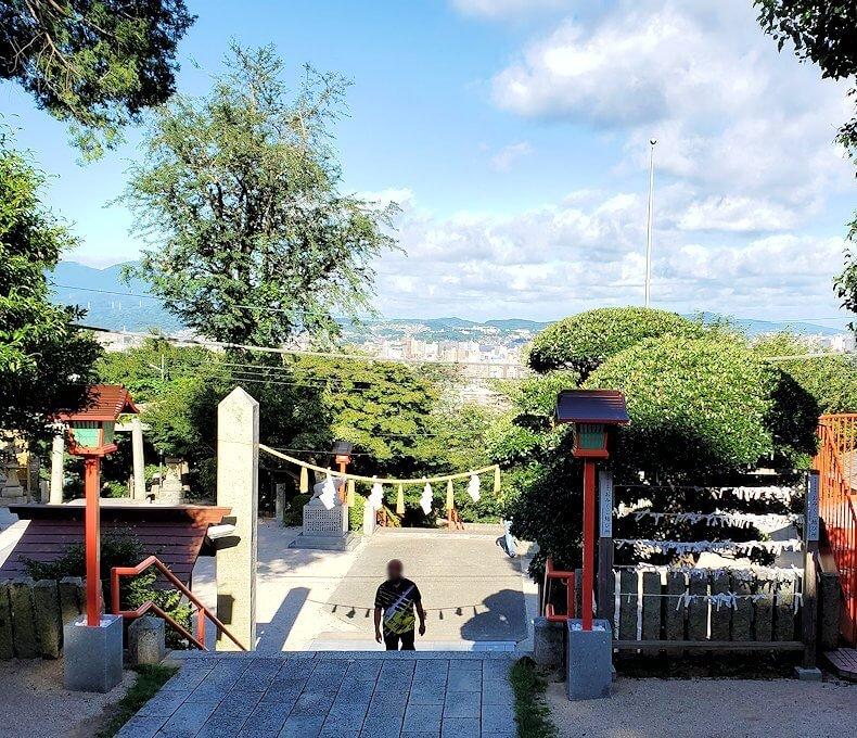 足立山の神社を参拝-2