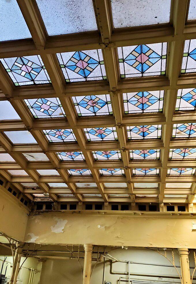 北九州市若松区にある上野ビル内の天井