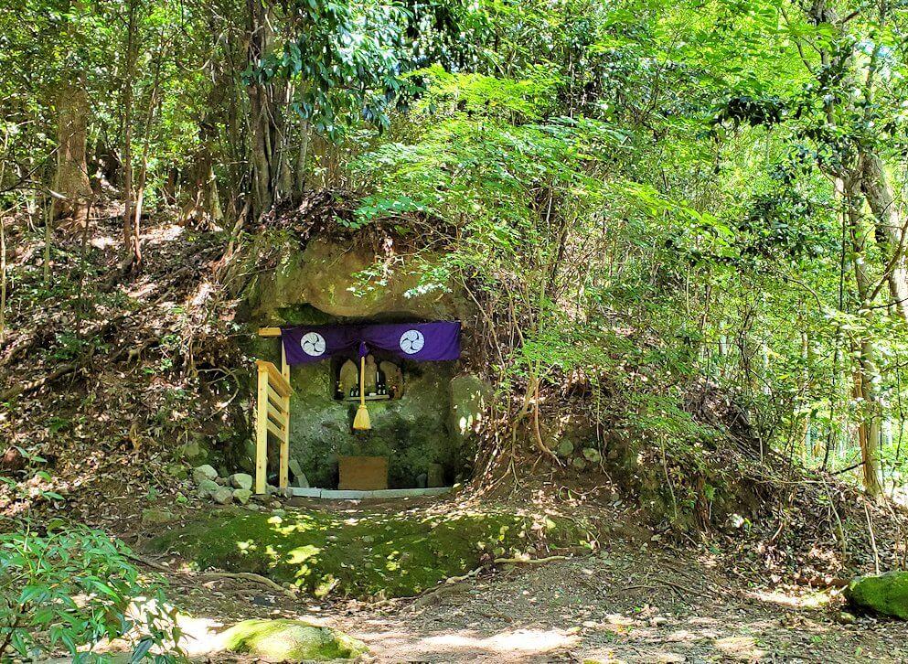 富貴寺境内の奥にある奥の院