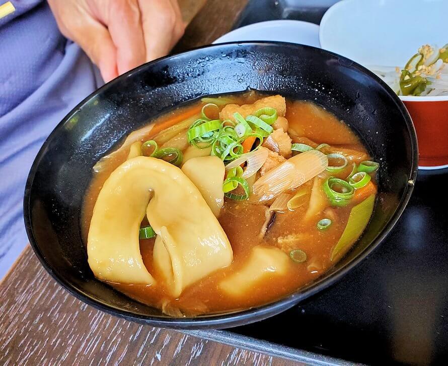 富貴寺向かいにある定食屋「ふきの里」で注文しただんご汁定食-2