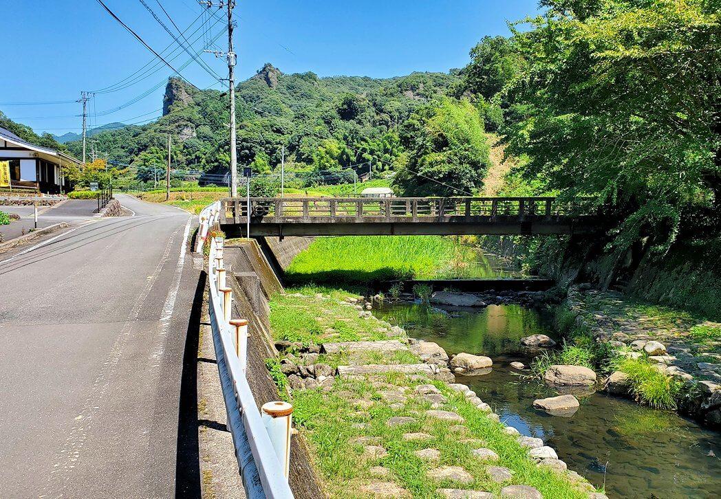 天念寺前を流れる、長岩屋川-1