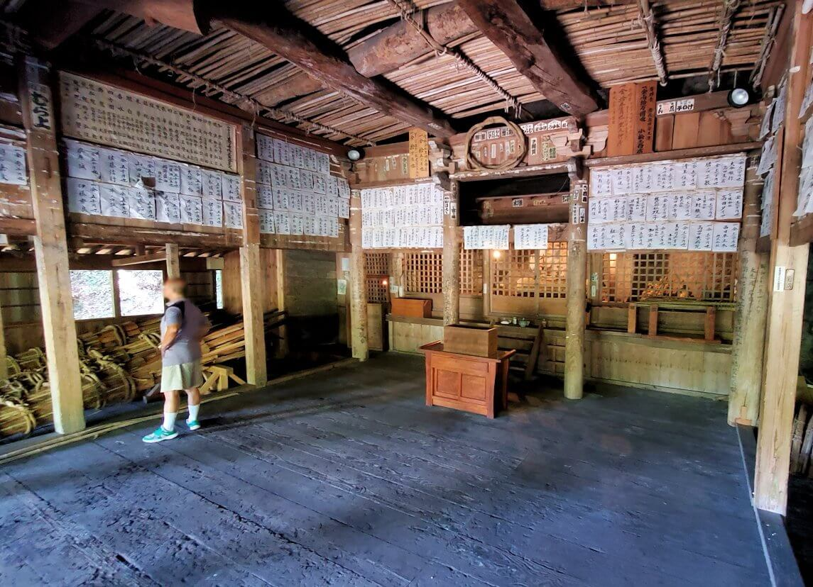 身濯神社内の景色