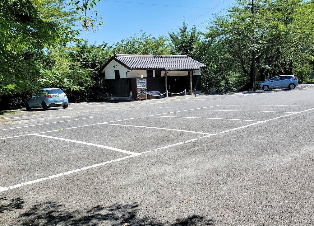 両子寺(大分県)の駐車場