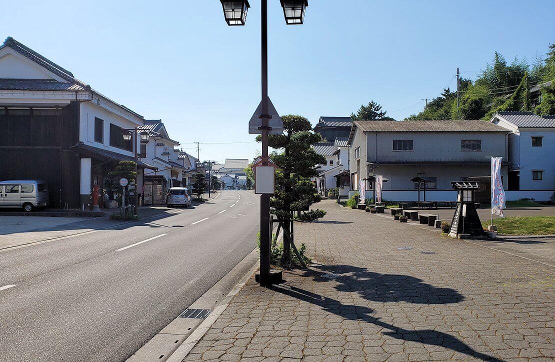 杵築市武家屋敷の下側にある商人町の景色-1
