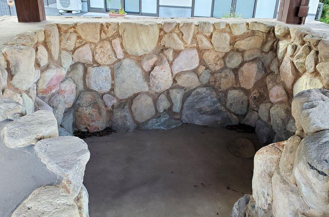 鉄輪温泉街にある湯かけ地蔵周辺の蒸し湯跡