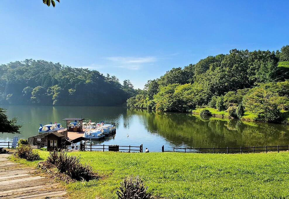 別府の街を出発して志高湖に寄り道し、その湖を眺める-1