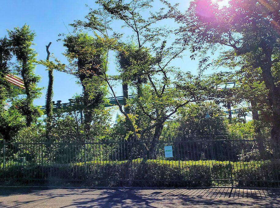 別府の城島高原パーク前を通過する-1
