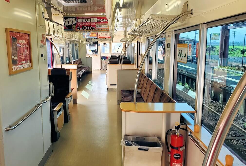 JR豊後森駅から東に行く電車に乗り込む