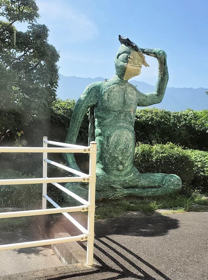久大本線の日田駅から久留米に向かう途中に見えたカッパの像