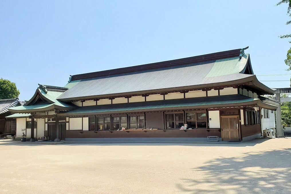 久留米駅周辺の水天宮内の建物