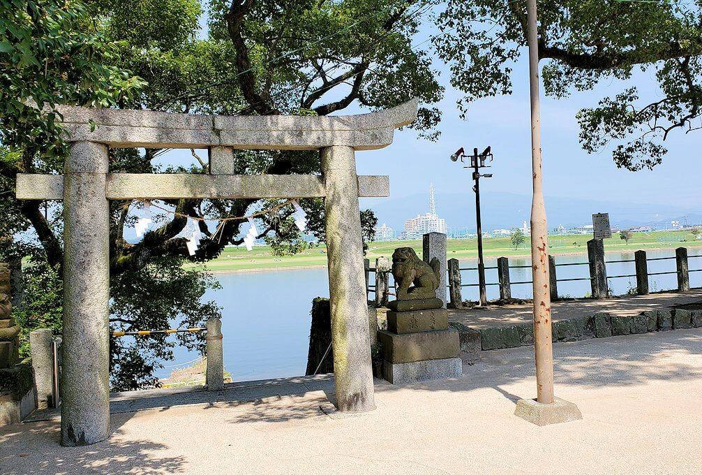 久留米駅周辺の水天宮から筑後川を眺める