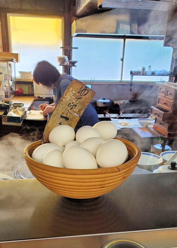 久留米市にある「沖食堂」の店内にあったゆで卵