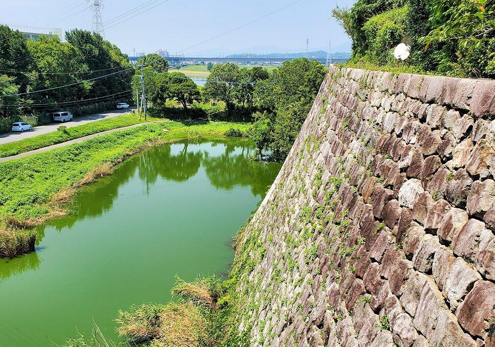久留米市にある久留米城跡の石垣上から眺める景色