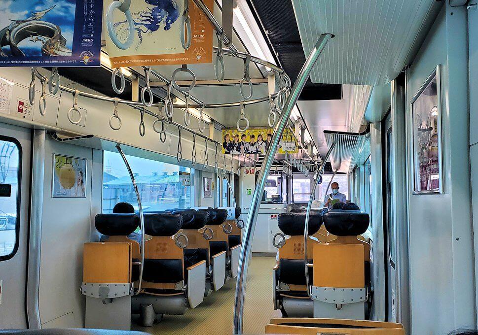久留米駅から熊本に向かう電車に乗り込む