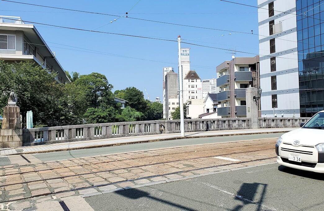 熊本駅から熊本城へと歩く途中に見えた船場橋の眺め