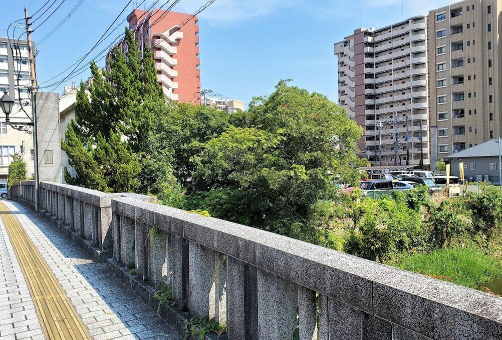 熊本駅から熊本城へと歩く途中に見えた船場橋の眺め-1