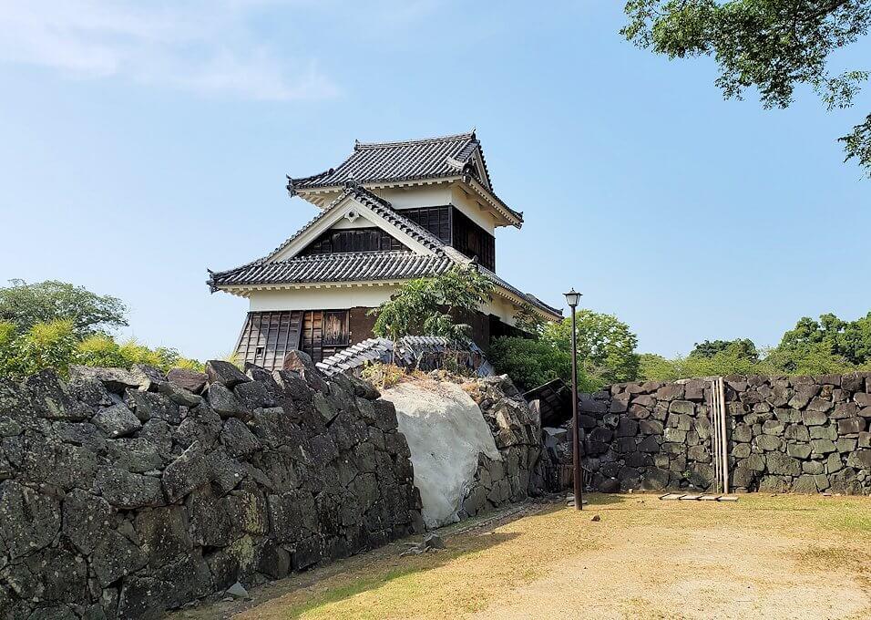 熊本城で復旧作業中の通路から見る、戌亥櫓