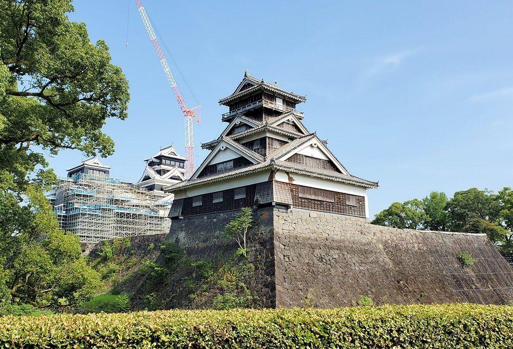 熊本城敷地内にある加藤神社から見える宇土櫓と本丸