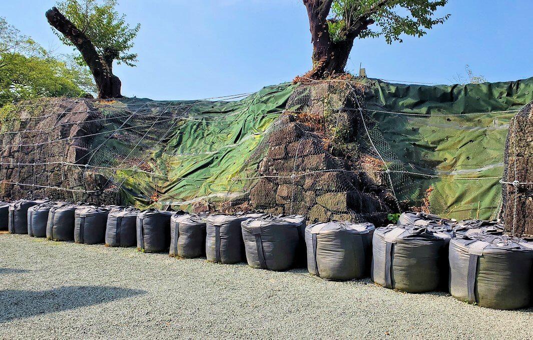 熊本城内にある加藤神社も被災している