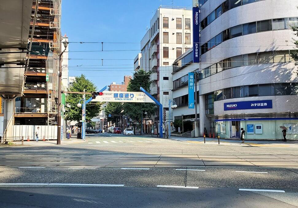 熊本市内の繁華街である銀座通りを目指す