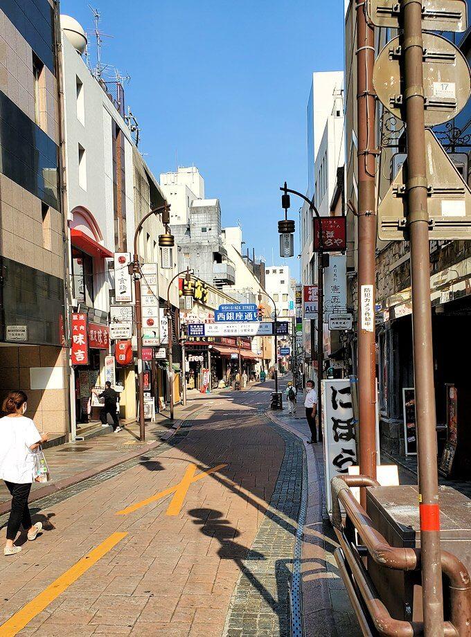熊本市内の繁華街である銀座通り周辺の横道-2