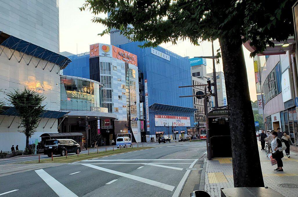 熊本市内の電車通りの景色-1