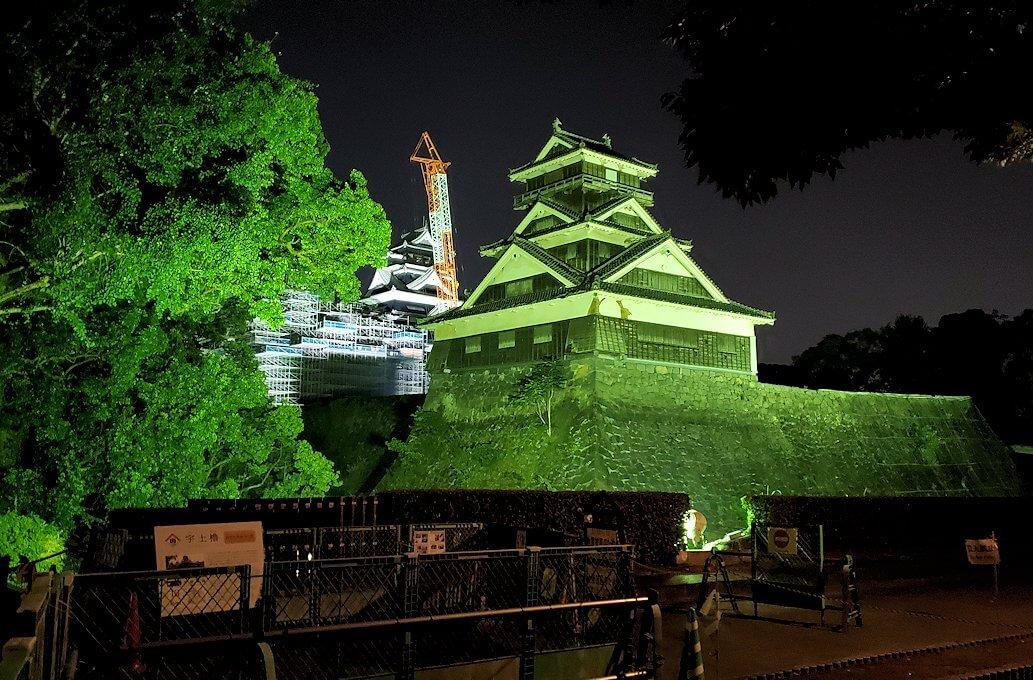 夜に熊本城で加藤神社脇から宇土櫓を再び眺める