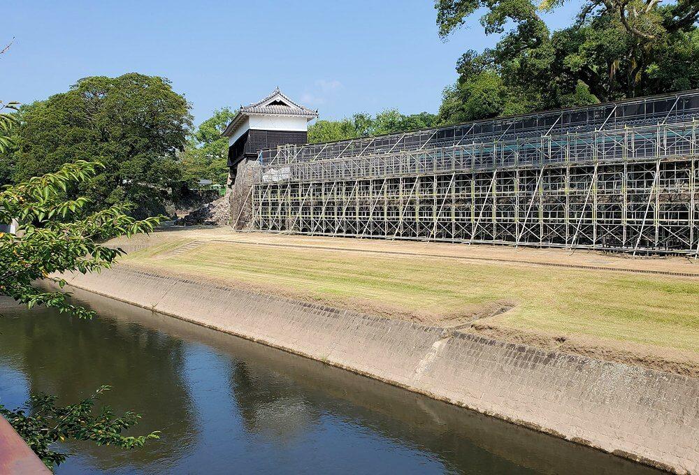 熊本城の崩れた長堀の景色