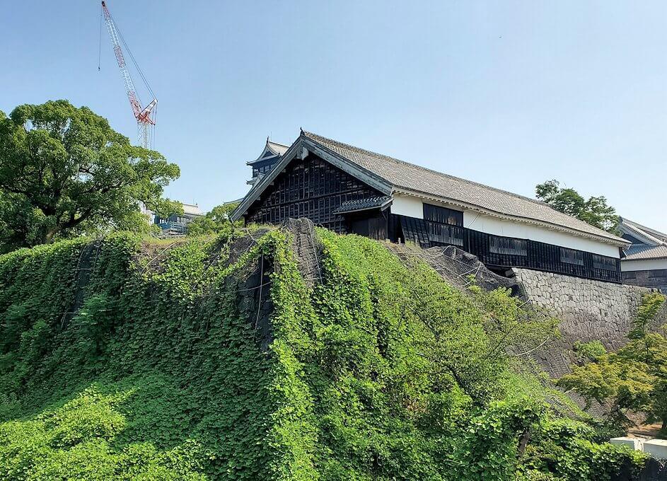 熊本城本丸近くの有料ゾーンに入って見える景色