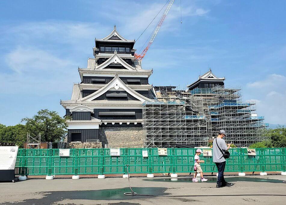 熊本城の天守閣前から眺める景色-1