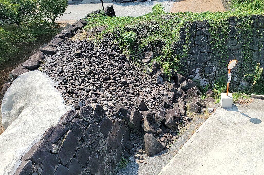 熊本城で無残に崩壊した石垣