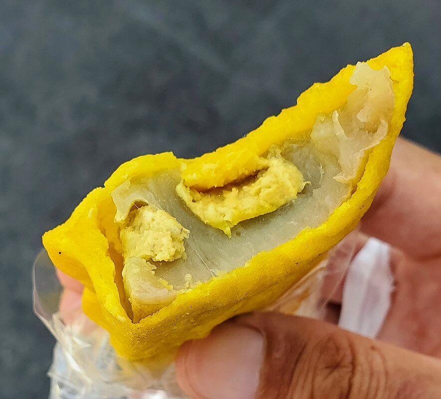 村上カラシレンコン店で購入した辛子蓮根を食べる