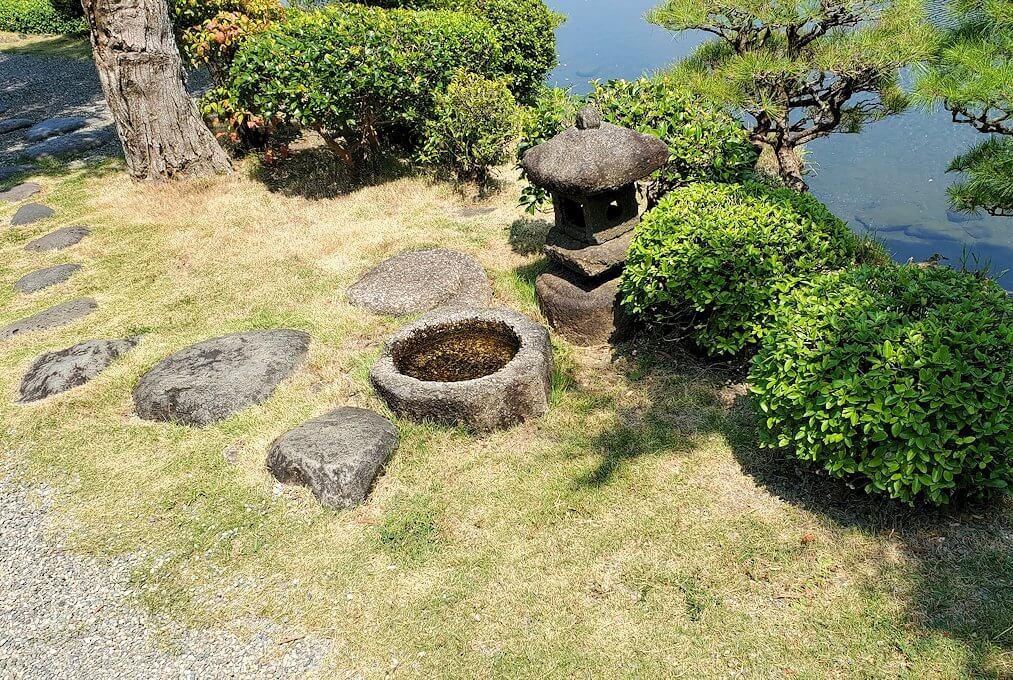 水前寺成趣園の「古今伝授の間」の庭