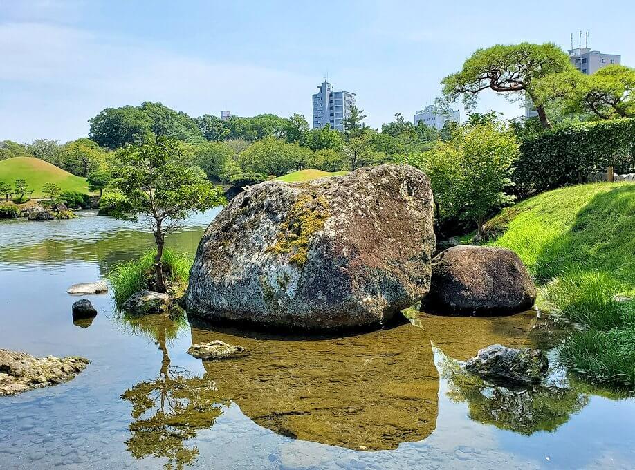 水前寺成趣園内を見回した景色-1