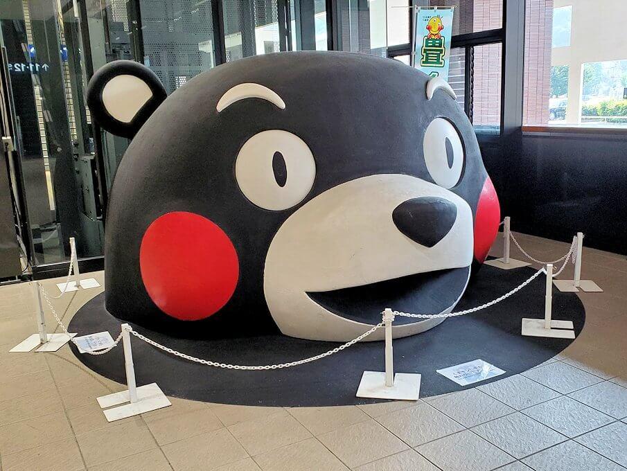 熊本駅構内に置かれていたくまモンの置物