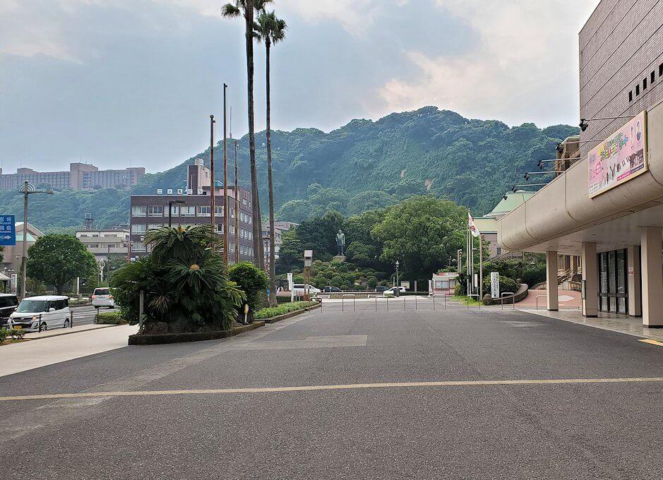 鹿児島市内から見える城山