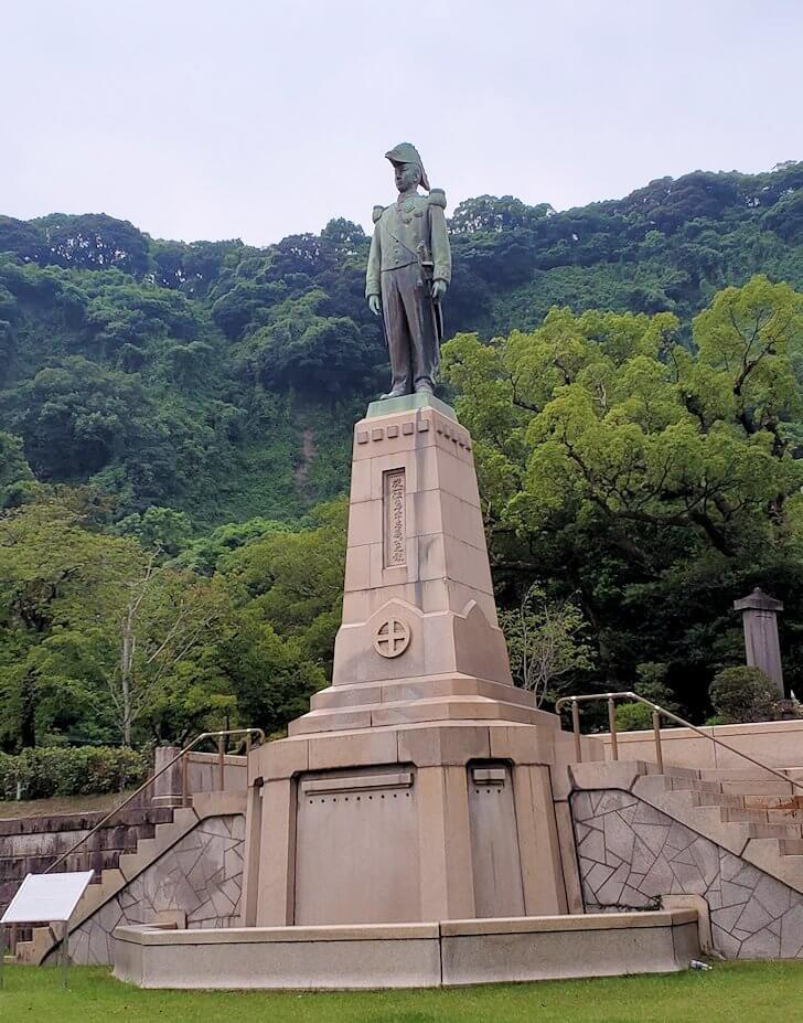 探勝園内にある島津忠義公像